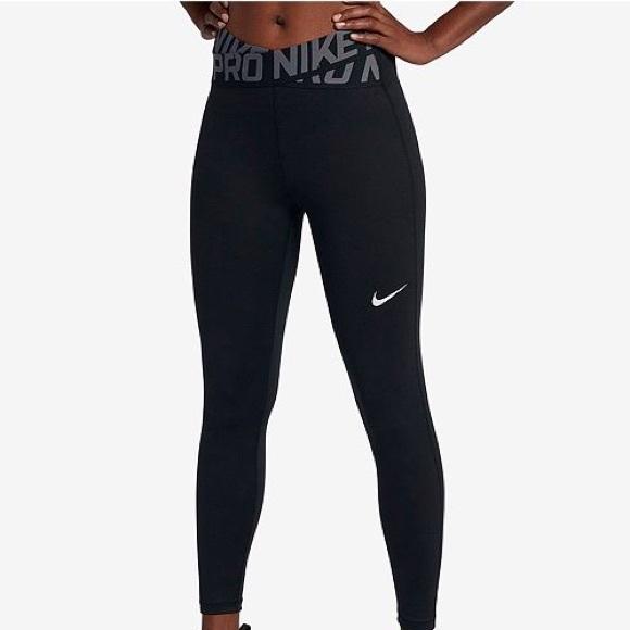 5778549f48 Nike Pro Crossover Waistband Ankle Legging. M_5b478cb92beb798cd2a188db